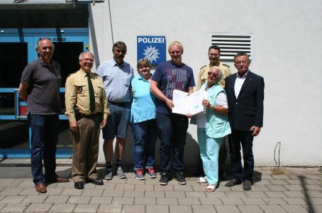 24-Jähriger verhindert Vergewaltigung in Kersbach: Polizei ehrt ihn