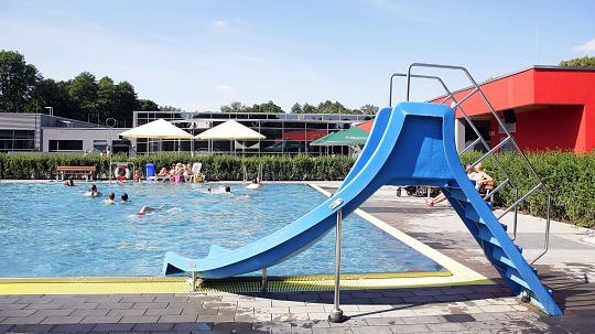 Acht Frauen melden sexuelle Belästigung in Gladbacher Freibad