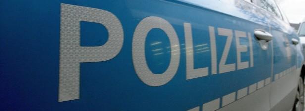 Junges Mädchen in Bahnunterführung belästigt