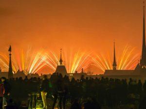 Rund-120-000-Personen-bestaunten-das-Silvesterfeuerwerk-in-Zuerich