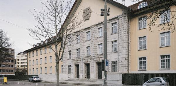 Coiffeur wegen sexueller Belästigung angeklagt