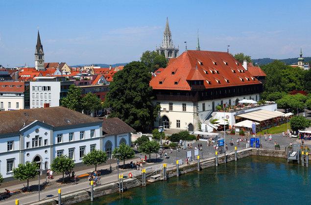 Frau vor Toilette in Konstanz bedrängt