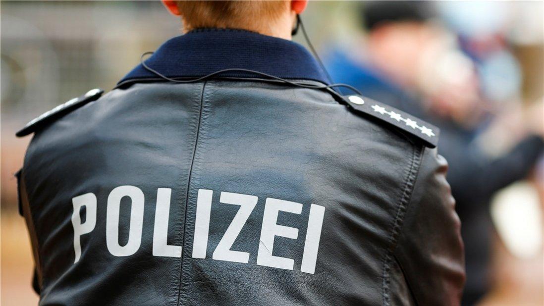 Zwei Männer begrapschen zwei Frauen bei Kleinstadtfest in Meppen
