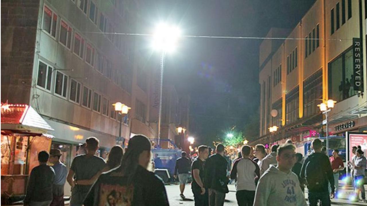 Können diese Lampen vor dem Sex-Mob schützen?