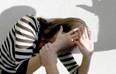 17-Jährige auf Weg zur Arbeit sexuell belästigt