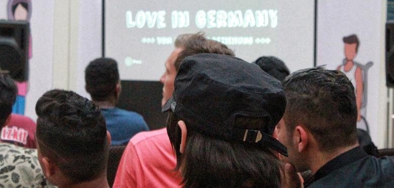 Ein Flirtkurs für Flüchtlinge – von Security bewacht