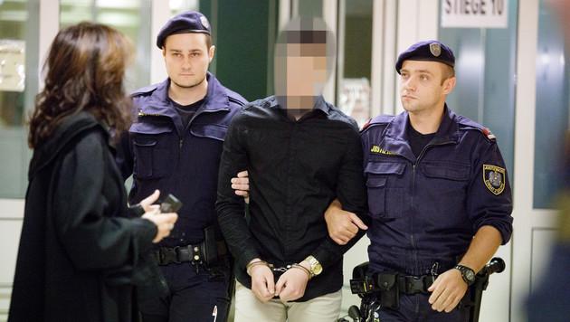 """Witwe """"zu Tode gefoltert"""": 19- Jähriger verurteilt"""