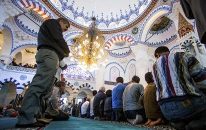 Schüler lehnt Moschee-Besuch ab jetzt schaltet sich Staatsanwaltschaft ein