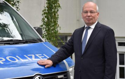 Boss der Polizeigewerkschaft fordert Rauswurf von Ministerin