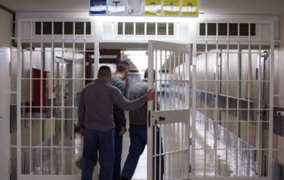 Sex mit Zwölfjähriger: Angeklagter muss vier Wochen hinter Gitter