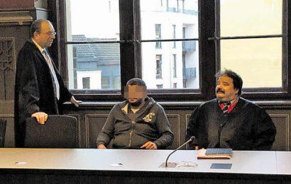 Vergewaltigung vor 15 Jahren Richter in Halle schicken Angeklagten in Haft