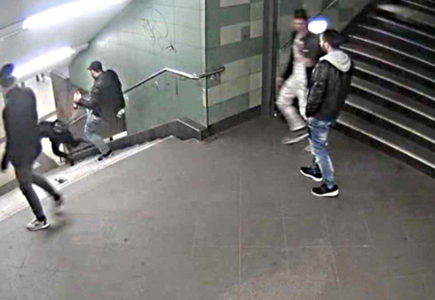 Frau stürzte Treppe hinunter: Polizei identifiziert U-Bahn-Treter