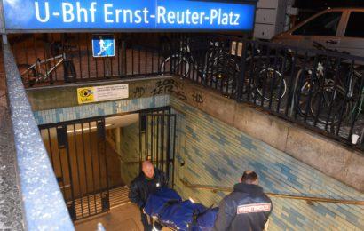 Täter schubste Frau mit Anlauf vor die U-Bahn