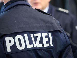 Frauen auf Damentoilette belästigt – Zwei Tatverdächtige festgenommen