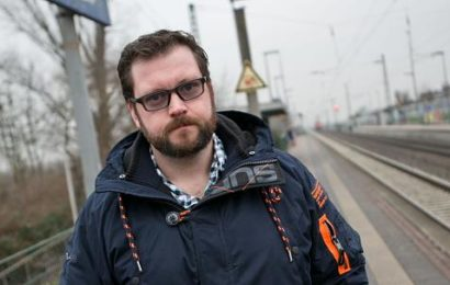 Mitreisender hilft Dormagenerin nach sexueller Belästigung