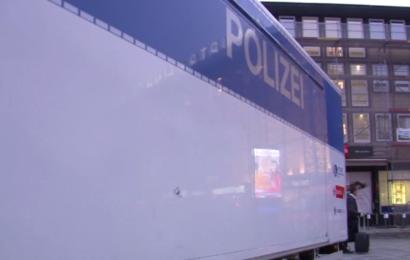 Frau im Kölner Hauptbahnhof niedergeschlagen und getreten