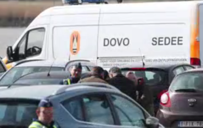 Mann in Antwerpen an Autofahrt in Menschenmenge gehindert