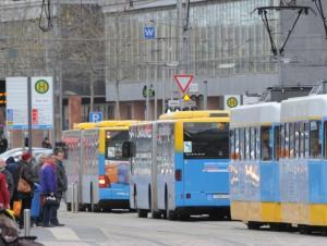 Busfahrer scheuen Ausstieg an der Zenti