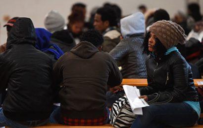 Beamtenbund fordert mehr Personal für Integration von Asylbewerbern