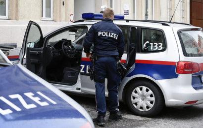 Junger Afghane belästigt mehrere Frauen in Tirol