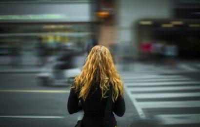 20-jährige Studentin von Unbekannten genötigt
