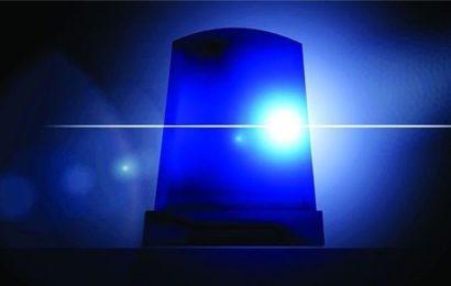 Randalierer greift Polizistinnen an