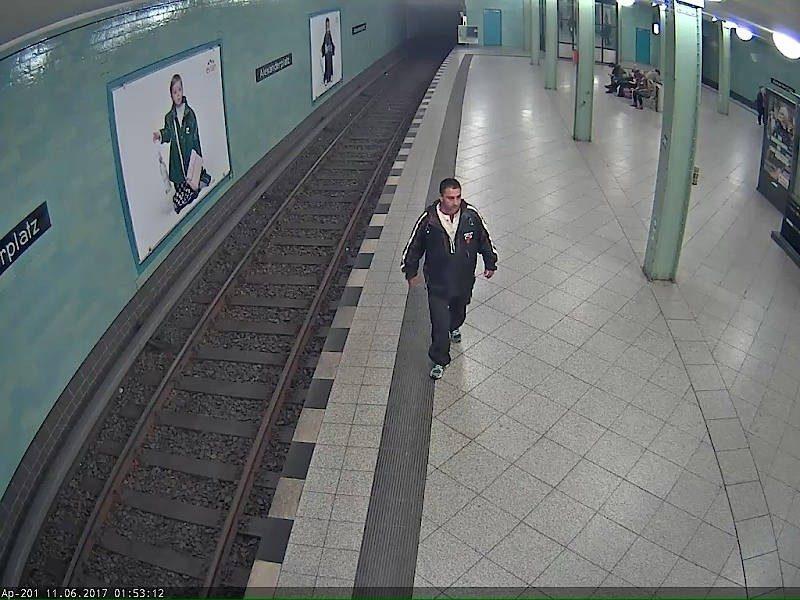 Angriff auf einer U-Bahn-Treppe