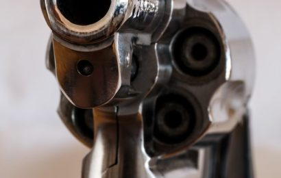 Flirtversuch unterbunden – Zurückgewiesener zieht Pistole