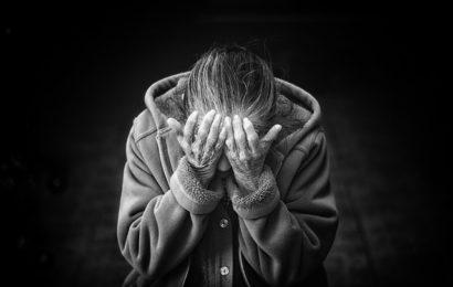 Drei Männer misshandeln Rentner-Ehepaar in Frankfurt