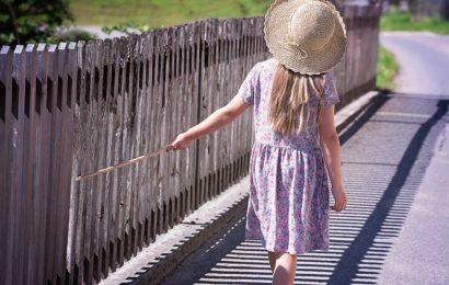 Südländer tritt kleinem Mädchen in den Bauch