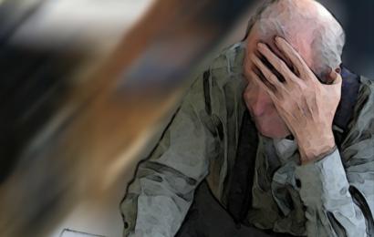 Weil er zu langsam lief: Brutalo bricht Rentner das Bein