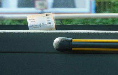 Betrug und Missbrauch mit Schülermonatskarte durch ältere Männer