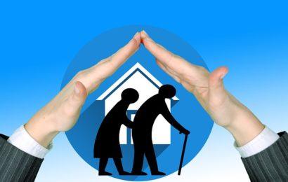 Drei Senioren in Wohnung beklaut