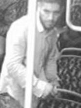 Unbekannter Räuber mit Bildern gesucht – Polizei bittet um Mithilfe