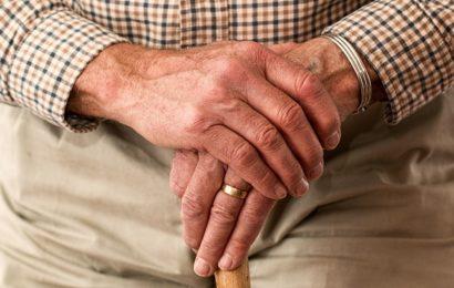 Unbekannter raubt 70-Jähriger die Handtasche