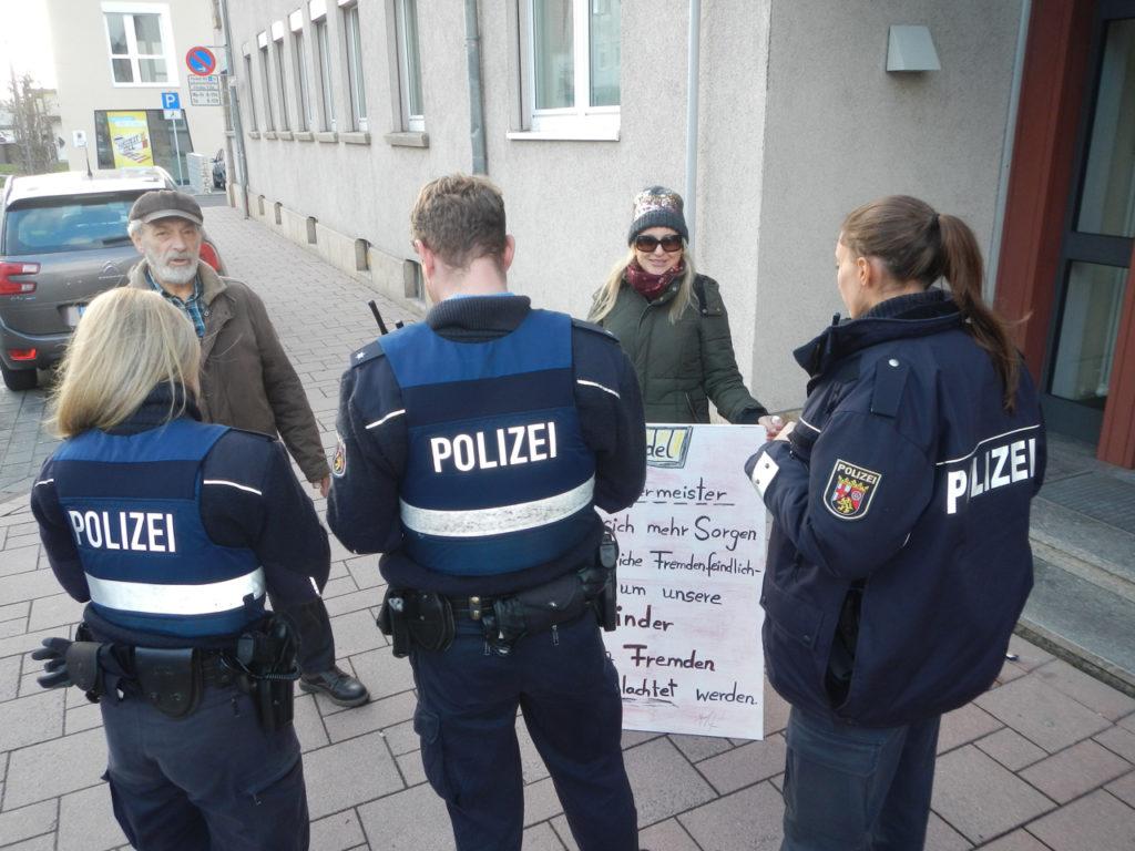 Mahnwacheninitiatorin Miriam Kern: Nach Berlin – jetzt erst recht Kandel!