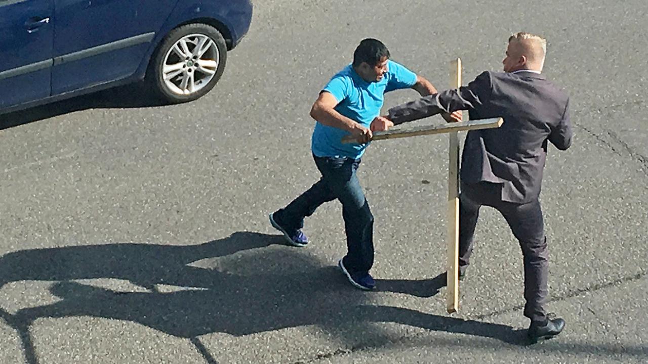 Haftbefehl gegen Flüchtling