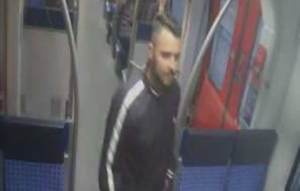 Mann an S-Bahnhof ins Koma geprügelt: Wer kennt den Täter?