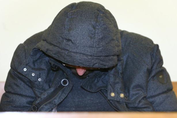 Nachbarin brutal vergewaltigt und ertränkt: Gericht greift durch!