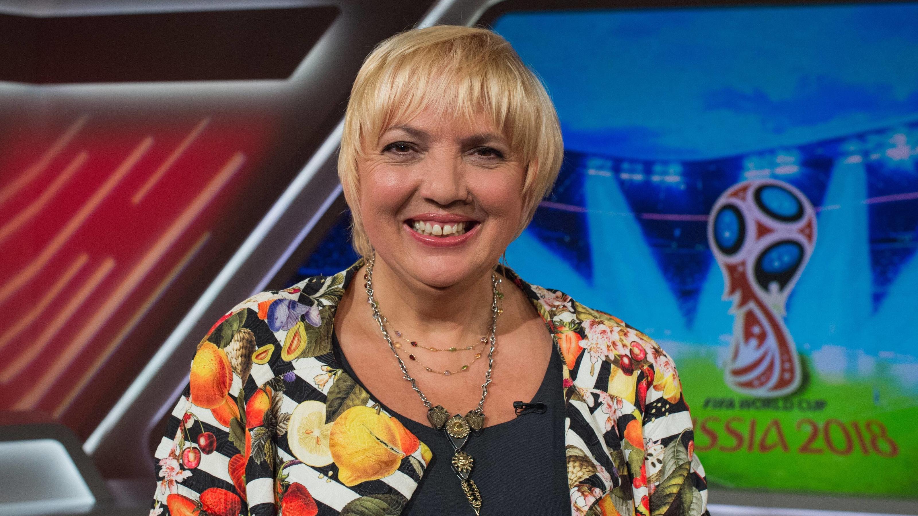 Grünen-Politikerin Claudia Roth: Deutsche Fans sollen sich bei der WM zurückhalten!