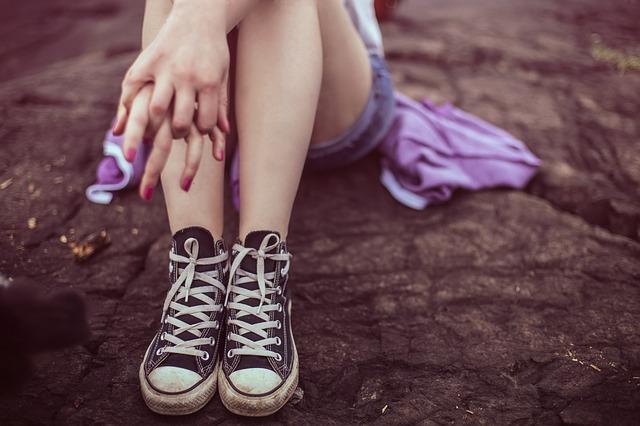 Acht Jugendliche missbrauchen 13-Jährige nach Schwimmbadbesuch und filmen Tat