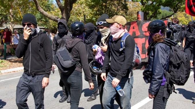 Die Antifa terrorisiert uns