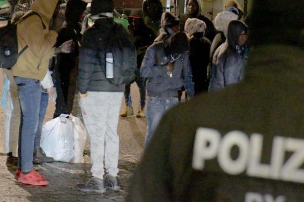 Heftige Proteste bei Abschiebung: Urteile gegen Asylbewerber gefallen