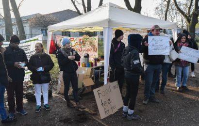 """""""Leben mit Gutschein ist scheiße"""" Flüchtlinge und Unterstützer gegen Sanktionen"""