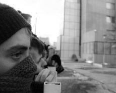 Jugendlichen die Mobiltelefone geraubt