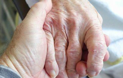 80-jährige Frau bestohlen