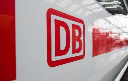 23-Jährige im Zug unsittlich berührt