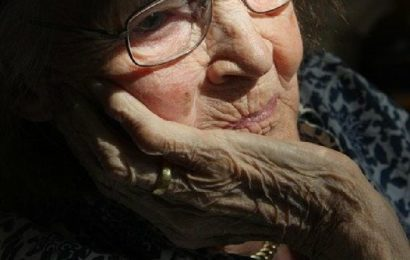 Raubüberfall auf eine 82-jährige Frau