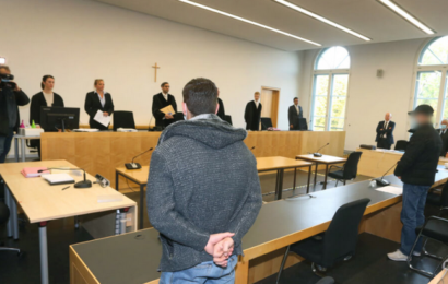 Familienvater in Augsburg totgeschlagen: Angeklagter laut Gutachter nicht volltrunken